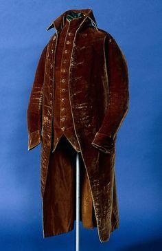 1775-1800, America - Frock suit - Brown silk velvet; linen