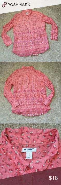 """Old Navy Bandana Pattern Button Down Long Sleeve Excellent condition...Size is large...Color is coral/salmon, white, green...100% cotton...Lightweight...Measures 21.5"""" across the bust...28"""" length...  No trades...If you have any questions please ask...If you don't like the price please use the offer button...  Have a good day! """"Great Sense of Style"""" Old Navy Tops Button Down Shirts"""