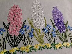 VINTAGE HAND EMBROIDERED NATURAL LINEN TABLE CENTRE / TRAY CLOTH in Antiques, Fabric/ Textiles, Embroidery   eBay