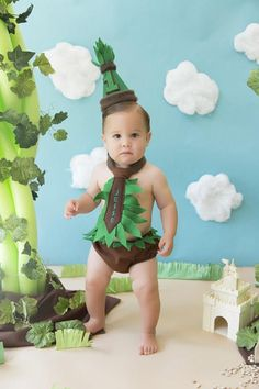 This outfit is meant to get messy! It is for your baby boy for his first birthday! I can add in your sons name to the tie, or leave it blank-no extra charge! Just add the name in the comment section when you check out. The outfit includes a Brown diaper cover with green felt