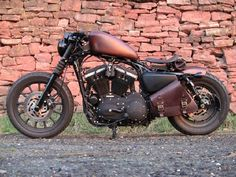 Harley-Davidson Sportster Iron 883 custom bobber I'm not a motorcycle person, but holy mess this is gorgeous Harley Davidson Sportster, Harley Davidson Custom Bike, Sportster Iron, Harley Davidson Chopper, Iron 883 Bobber, Virago Cafe Racer, Yamaha Virago, Bobber Motorcycle, Bobber Chopper