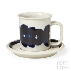 A mug and a saucer for hot drinks like coffee & tea. Arabia Anemone made in Finland. Designed by Ulla Procopé. Coffee Cups, Tea Cups, Rustic Ceramics, Vintage Dishes, Modernism, Scandinavian Design, Drinkware, Flower Decorations, Blue Flowers
