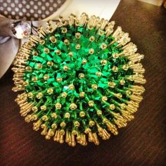 Sequin Ornaments, Diy Christmas Ornaments, Afghan Loom, St Patrick's Day Decorations, Trendy Bracelets, Trendy Girl, Trendy Wallpaper, St Patricks Day, Cute Art