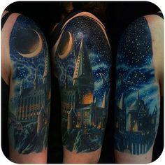 Hogwarts ♥  Tattoodoo.com  #HarryPotter #HP #Castelo #Hogwarts