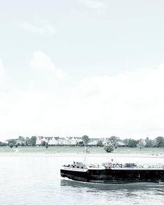 TYPICAL DUESSELDORF VIEW WITH OBERKASSEL AND RIVER RHINE... Love my hometown...  . . 2nd account : @vanessa.pur  SNAPCHAT : pureglamtv  . . . #duesseldorf #dusseldorf #deutschland #germany #tvtower #tower #skyline #reflections #reflection #harbour  #streetphotography #coast #coastline #photooftheday #travel #traveldiary #ig_travel #deutschland  #diewocheaufinstagram #water #koe #rhine #passionpassport #travelblogger #travelwithme #traveltheworld #königsallee #oberkassel #boat