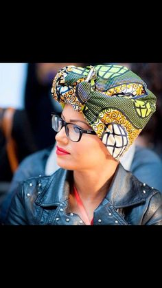 This is a very simple yet powerful statement head piece to spruce up an outfit... I'd wear it!