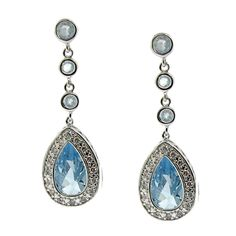 Featuring an elegant design, these blue cubic zirconia earrings are cut in a traditional teardrop shape and will dangle effortlessly whilst they catch the light from every direction. These classy earrings are highly polished for a professional finish.