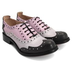 John Fluevog Amanda ($239) ❤ liked on Polyvore featuring shoes, flats, oxfords, vintage flat shoes, oxford flat shoes, flat shoes, suede oxford shoes and wingtip shoes