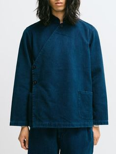 mode hommes : veste, bleu sombre, indigo, style asiatique Look Fashion, Fashion Details, Fashion Outfits, Womens Fashion, Fashion Tips, Fashion Design, 90s Fashion, Fashion Ideas, Haut Kimono