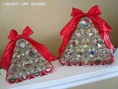 Baby food jar Christmas tree.  What to do with ALL those empty baby food jars!