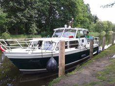 Spend a few weeks cruising the Mecklenburgische Seenplatte ~ 53.511301,12.688909