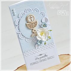 Laserowe LOVE: Pamiątki Komunijne / Communion Cards First Communion Cards, Holy Communion Invitations, Première Communion, First Holy Communion, Handmade Greeting Card Designs, Christian Cards, Wedding Favor Bags, Vintage Cards, Holidays And Events