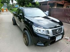 Nissan navara made in Thailand Nissan Navara 2017, 4x4, Weapons, Thailand, Ford, Trucks, Awesome, Vehicles, Pickup Trucks