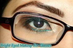 Bright Eyed Makeup For Glasses Tutorial Eye Makeup Steps, Simple Eye Makeup, Smokey Eye Makeup, Smoky Eye, Natural Makeup, Make Up Tutorial Contouring, Makeup Tutorial For Beginners, Applying Eye Makeup, Hooded Eye Makeup