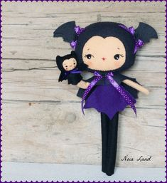 Bat girl with puppet.Plush Doll Pattern Softie by Noialand Dulceros Halloween, Halloween Ornaments, Felt Monster, Fox Toys, Felt Crafts Diy, Softie Pattern, Kawaii Plush, Stuffed Animal Patterns, Felt Dolls