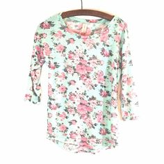 No Boundaries - 3/4 Sleeve Shirt - Fits Size 3-5 Floral Pattern - Polyester/Rayon/Spandex - ✨Make An Offer✨ No Boundaries Tops Blouses