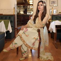 Bridal Suits Punjabi, New Punjabi Suit, Punjabi Suits Party Wear, Party Wear Indian Dresses, Designer Party Wear Dresses, Kurti Designs Party Wear, Indian Fashion Dresses, Indian Designer Outfits, Designer Wear