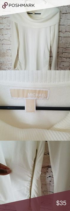NWOT Cowl neck sweather Comfortable sweater with detail zipper on the side. Michael Kors Sweaters Cowl & Turtlenecks