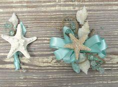 Conjunto de ramillete de muñeca estrella de mar playa boda conjunto, ramillete azul aqua, aqua azul flor en el ojal, ojal de playa, ramillete de boda costera