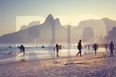 Ipanema.3 #riodejaneiro #photoshop #brunolemoal #beachlife #carioca #cariocando #rioteamo #rio #brasil #fotografia #liveloverio #instagram #errejota# #carioquissima #carioquissimo