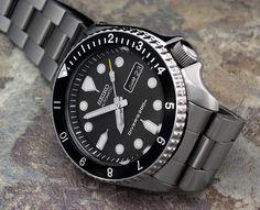Seiko & Citizen Forum: A few more PICS of my Ultimate Poor Man's Seiko Diver. Seiko Skx, Seiko Watches, Seiko Diver, Citizen Watch, Watches For Men, Wrist Watches, Fashion Watches, Outdoor Gear, Omega