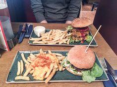 Ausgezeichnet sind die Burger bei den Chicago Meatpackers Burger in Eppendorf. Unbedingt probieren!