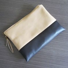 Make this cute clutch with easy steps! English and Spanish
