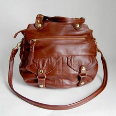 Oh beautiful leather bag, how I heart thee. Leather Backpack, Leather Bag, Oh Beautiful, Walnut Wood, Fashion Accessories, Wallet, Antiques, Diaper Bags, Baby Baby