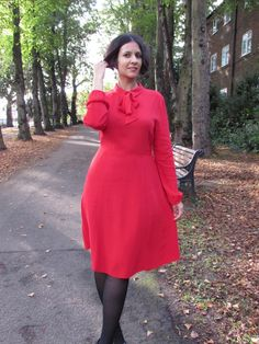 Pussybow midi dress