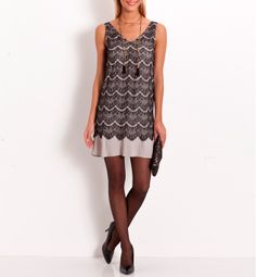 Robe dentelle plisée Grain de malice. Esprit Charleston. Encolure V.   #dress #woman #dentelle