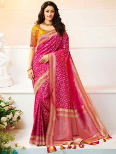 Magenta Pink Silk Traditional All Over Woven Saree Latest Designer Sarees, Latest Sarees, Trendy Sarees, Indian Sarees Online, Art Silk Sarees, Traditional Sarees, Indian Beauty Saree, Half Saree, Party Wear Sarees