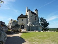 The Bobolice Castle – a royal castle built in the middle of the century in the Polish Jura, in the village of Bobolice. Poland Travel, Castle House, Beautiful Castles, 14th Century, Barcelona Cathedral, Belgium, To Go, Mansions, House Styles