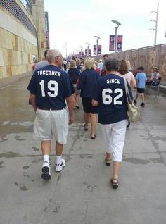 Anniversary idea!  So cute:)  I don't know that I could actually do this though....haha