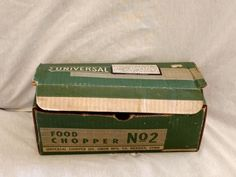 Vintage Universal Food  Meat Chopper Grinder No. 2 Cast Iron Manual Box #UniversalDivUnionMFGCo