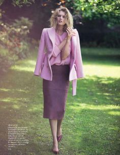 Antes del Atardecer Before Sunset Antes Fall Pink Vogue Spain Model Toni Garrn Photographer David Bellemere Styled Stylist Sara Fernandez Trend Fall Pink Rose Bubblegum Cotton Candy Feminine Editorial Vogue Espana Wool Coat Brocade Pencil Midi Skirt Pumps Crewneck Sweater Loose Waves Curls