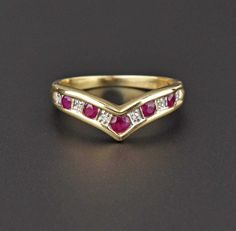 Gold Diamond & Ruby Chevron ring  #English #Ruby #wedding #Ring #Diamond #Gold #intage #Bamboo #Yellow #Maple