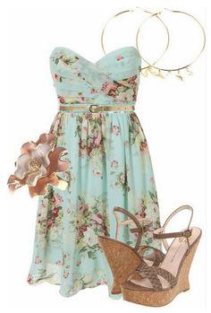 Vestido floreado, sandalias cremas...