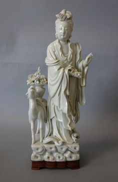 Chinese Guanyin Blanc de Chine Sculpture, Signed : Lot 129