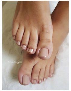 Pedicure Nail Art, Foot Pedicure, Pedicure Designs, Pedicure Ideas, Black Pedicure, Pretty Toe Nails, Cute Toe Nails, Pretty Toes, Acrylic Toe Nails