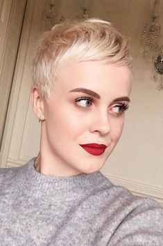 30 Best Short Hairstyles For 2018 ❤ Short Pixie picture3 ❤ See more: http://lovehairstyles.com/best-short-haircuts-hairstyles/ #shorthairlove #shorthairideas