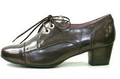 Zapato blucher piel florentic color marrón con ribetes en marino. Ancho ****