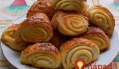 g masla 1 lyžička soli 3 strúčiky cesnaku Na posypanie a potretie: Antipasto, Scones, Doughnut, Sausage, Almond, Muffin, Bread, Breakfast, Recipes
