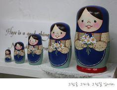 wooden nesting dolls_ ,Matriochkas