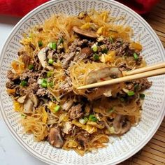 This Beef Vermicelli Stir Fry is super easy to make and absolutely delicious! Clam Recipes, Indian Food Recipes, Asian Recipes, Ethnic Recipes, Pasta Recipes Linguine, Linguine And Clams, Vermicelli Recipes, Best Pasta Dishes, Amigurumi