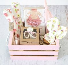 Baby Girl Gift Basket Organic Baby Clothes Ballerina Baby Gift Coming Home Baby . Baby Girl Gift Basket Organic Baby Clothes Ballerina Baby Gift Coming Home Baby Ballerina Baby O Cadeau Baby Shower, Idee Baby Shower, Cute Baby Shower Gifts, Baby Shower Gift Basket, Basket Gift, Baby Easter Basket, Baby Girl Gift Baskets, Baby Gift Box, Baby Box