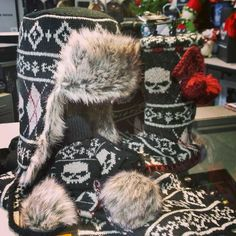 Stay warm this season with the #Skull Fair Aisle collection! #Harley Hat, gloves, boot slippers and scarf! #Ladies #giftideas #bikergifts #cozy