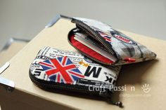 Sew pattern of a zipper card pouch that can accommodate more cards. Separate the cards from your purse or wallet.