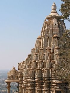 Temple, Chittorgarh Fort - India                                                                                                                                                                                 Mais