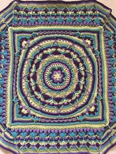 Ravelry: Project Gallery for Sophie's Universe CAL pattern by Dedri Uys   Groovymarlin's Lapghan Sophie