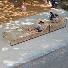 Quick And Easy Landscaping On A Budget - House Garden Landscape Urban Furniture, Street Furniture, Design D'espace Public, Wooden Chair Plans, Wood Chair Design, Pocket Park, Parking Design, Easy Garden, Urban Landscape